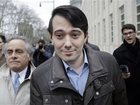 Shkreli auctioning the opportunity to punch him