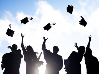 5 tips for having a perfect graduation party