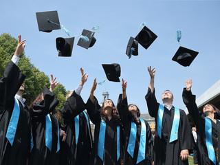 4 tips for navigating life after college