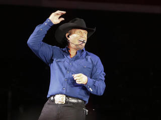 Garth Brooks joins Amazon's streaming service
