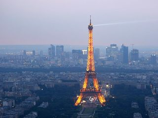 Paris again bans cars to fight pollution