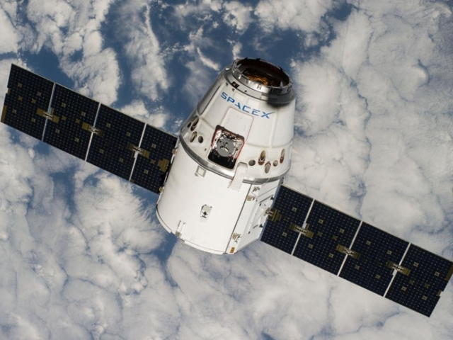 SpaceX to re-fly a Dragon spacecraft for first time