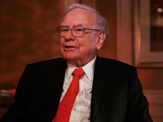 Warren Buffett: Red-hot market not in a bubble
