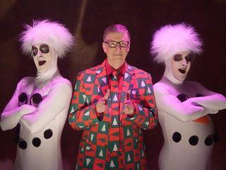 Bill Gates spoofs SNL David Pumpkins skit