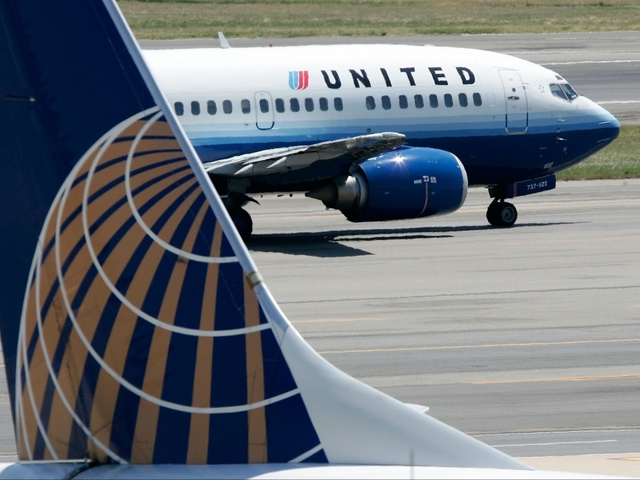 United Airlines doctor dragged off flight begins legal action