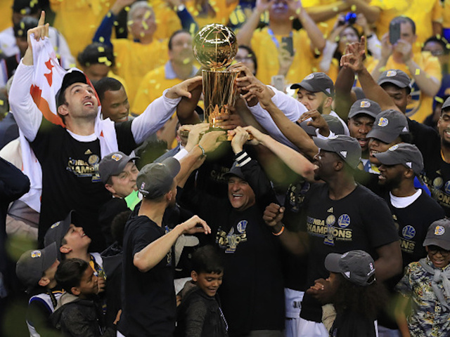 NBA Champs Golden State Warriors Mulling Rejection of Trump White House Visit