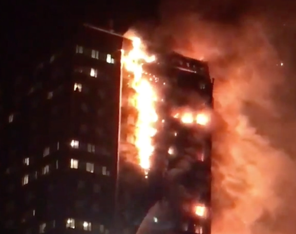 London fire: Blaze engulfs apartment block in West London
