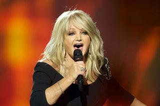 Bonnie Tyler to sing hit song during eclipse