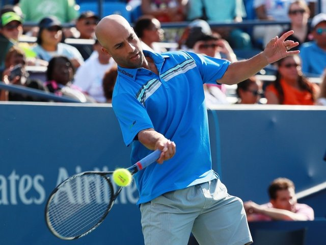 NYPD officer who arrested James Blake suing tennis star