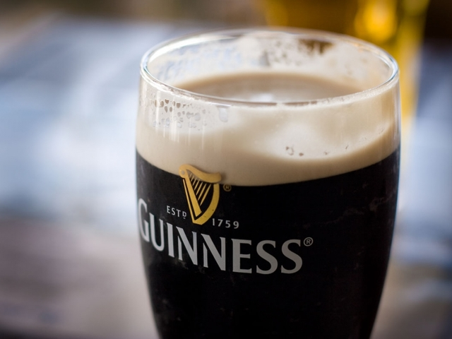 Irish pubs open on Good Friday for first time in 91 years