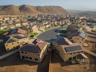 SolarCity wants 'solar shingles' on more roofs