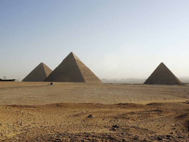 a critique of the greeks theory on the building of the great pyramid in egypt