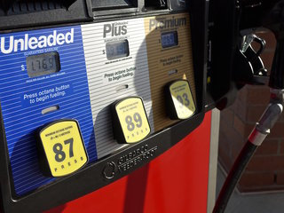 Drivers to see high Thanksgiving gas prices