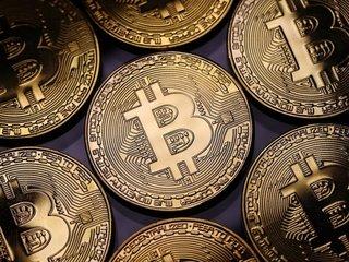 Bitcoin price drops below $10K