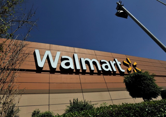 Walmart associates in OH  to receive millions of dollars in bonuses today