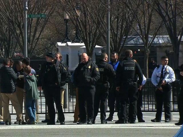 Man shoots himself outside White House