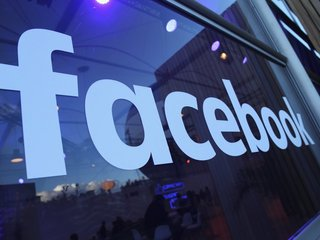 Facebook launches smart home device
